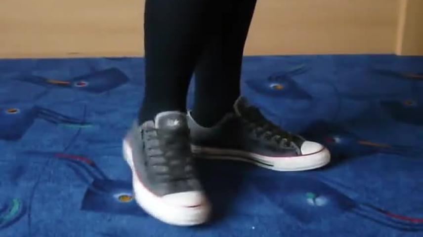 394608840fb0 Jana shows her Converse All Star Chucks low used look grey with rivets -  VidLii