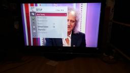 Got perfect working LG 42LH3000 42 inch Widescreen Full HD 1080p LCD TV with Freeview On facebook