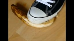 Jana crush banana with her converse chucks hi black and messy them close up trailer
