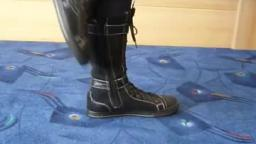 Jana shows her winter boots black with lacing and buckles