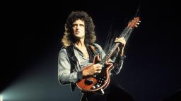 Brian May is way too smokin hot!