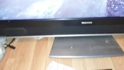 Look at a Toshiba 37WLT66-37 Inch Widescreen Pictureframe HD Ready LCD TV