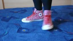 Jana shows her Converse All Star Chucks hi red pink with hearts