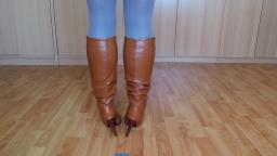 Jana shows her stiletto boots brown 11