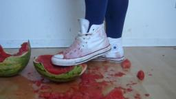Jana make a crush and messy session with watermelon and converse Chucks hi white static cam