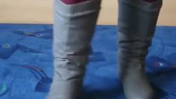 Jana shows her winter boots Jumex grey