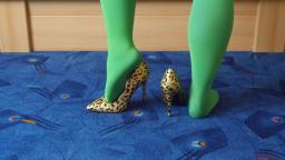 Jana shows her spike high heel Pumps Catwalk shiny leopard