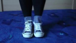 Jana shows her Converse All Star Chucks hi dark grey blue
