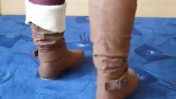 Jana shows her winter boots brown with buckle