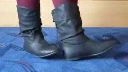 Jana shows her winter booties Jumex black with lacing back