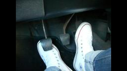 Jana make a pedal pumping session with her white converse chucks hi and blue skinny jeans