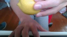 this is my foot without lemon you will be forever sad :(