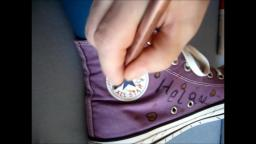 Jana´s friend painted her Chuck´s Converse purple on her feet for the carnival yt trailer